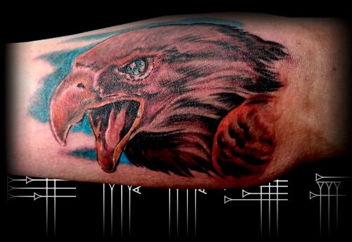 Tatuaje a color hombre