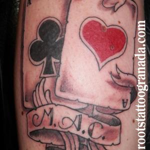 tatuaje cartas as de trébol y de corazones