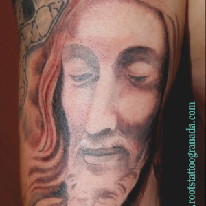 tatuaje realista Cristo