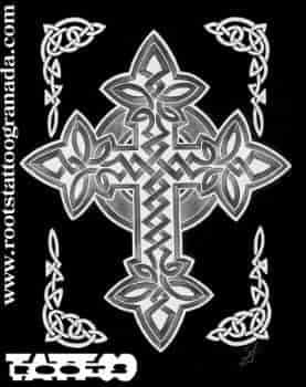 4.6.- CÉLTICO. Diseño de cruz celta. Estudio de tatuajes en Granada, Andalucía, España