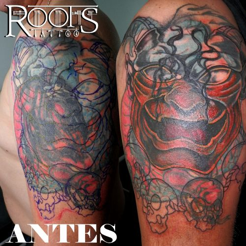 Proceso de difícil cover up en estudio de tatuajes Granada capital de provincia