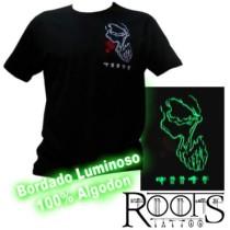 Camiseta con bordado luminoso