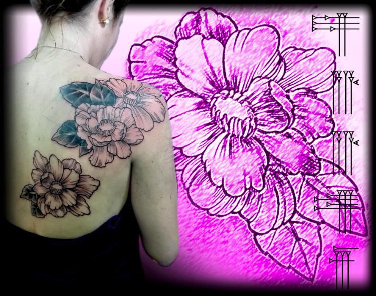 Tatuaje femenino para la espalda