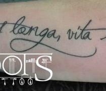 Frase tatuada