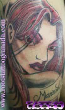 Tatuaje muslo hombre color