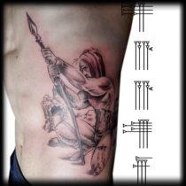 tatuaje en costado