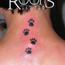 Huellas pequeñas tatuajes