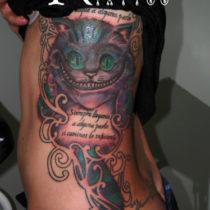 Tatuaje para costillas mujer