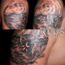 Tatuaje lobo blanco y lobo negro estilo cómic