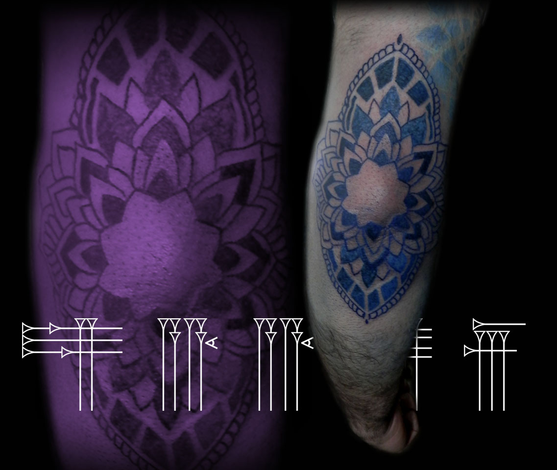 Tatuaje geométrico color