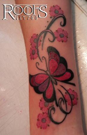 Tattoos pequeños de mariposas a color