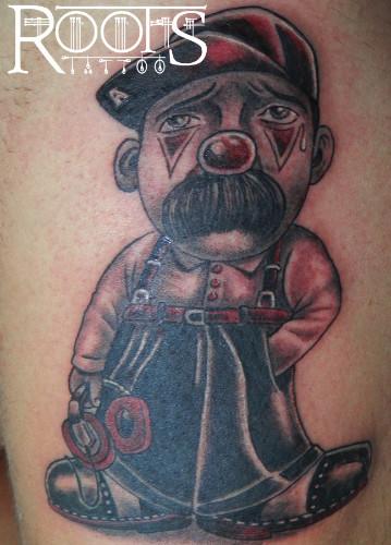 Tatuaje con expresión dramática