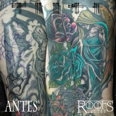 Ángel y rosas
