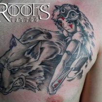 Tatuaje de dibujos animados pecho hombre