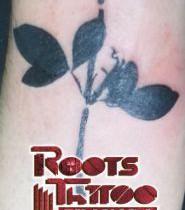 Tatuaje rosa negra