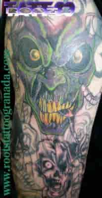 Tapado complicado de tatuaje
