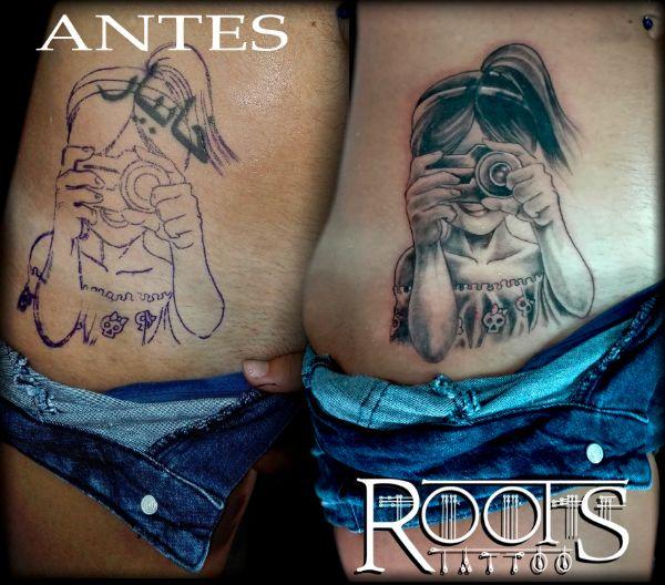 Tatuaje niña con cámara de fotos