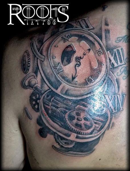 Tatuaje en sombras para la espalda