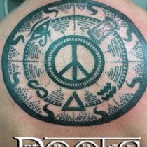 Ideas de tatuajes circulares en negro