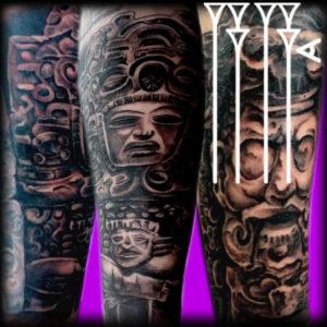 Tatuaje realista esculturas mayas