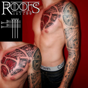 Ejemplos de brazo completo tatuado y pecho