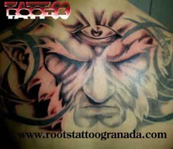 Tattoo fantasía con ojo