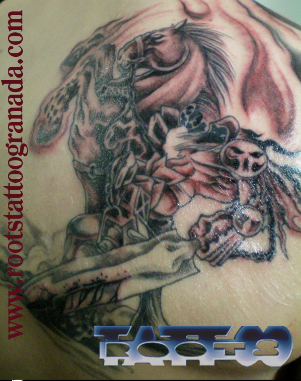 Tatuaje Caballo tatuaje guerrero diabólico a caballo. – roots tattoo granada