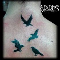Tatuaje de cadena de pájaros