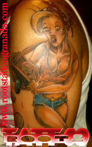 Tatuaje pin up color realista