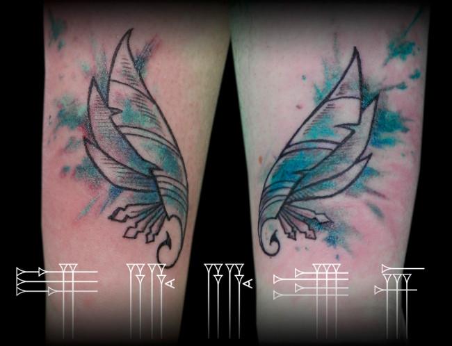 Tattoo plumas acuarela