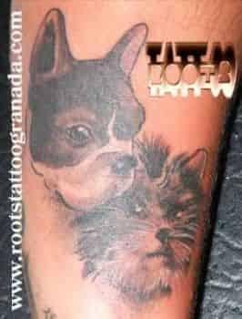 Tatuaje pequeño en la muñeca mujer